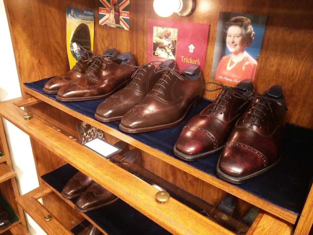 アンソニークレバリーの数々私用で上京した際、靴好きの間で知らぬ者はいないといわれる、日本屈指の靴修理店ユニオンワークス(UNION WORKS)へお邪魔いたしました。
