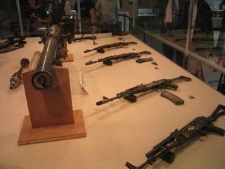 工作船から発見された銃火器