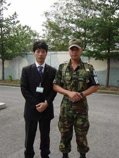 都羅山展望台にて韓国軍兵士と
