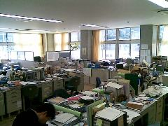 北山校の職員室